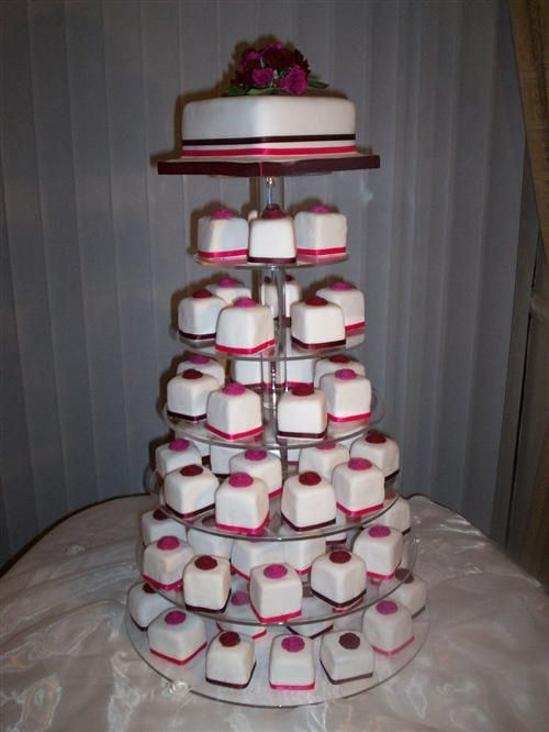 Small Square Cakes
