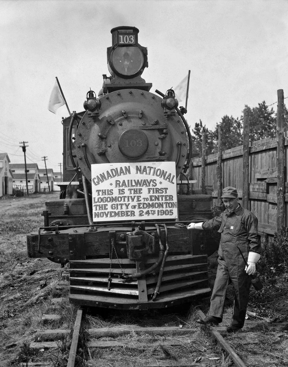 Locomotive Reach Edmonton Alberta Circa 1905