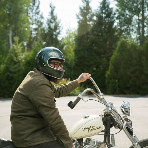 "BILTWELL Gringo ""Sierra Green"": great oldschool full face helmet with DOT standard. Check out more retro motorcycle helmets at 24Helmets.de!"