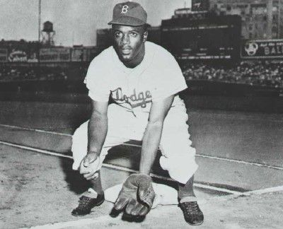 african americans in baseball The vast majority of those teams were owned by african americans, including effa manley, co-owner of the newark eagles from 1935-1948, who was the first woman inducted into the baseball hall of fame.
