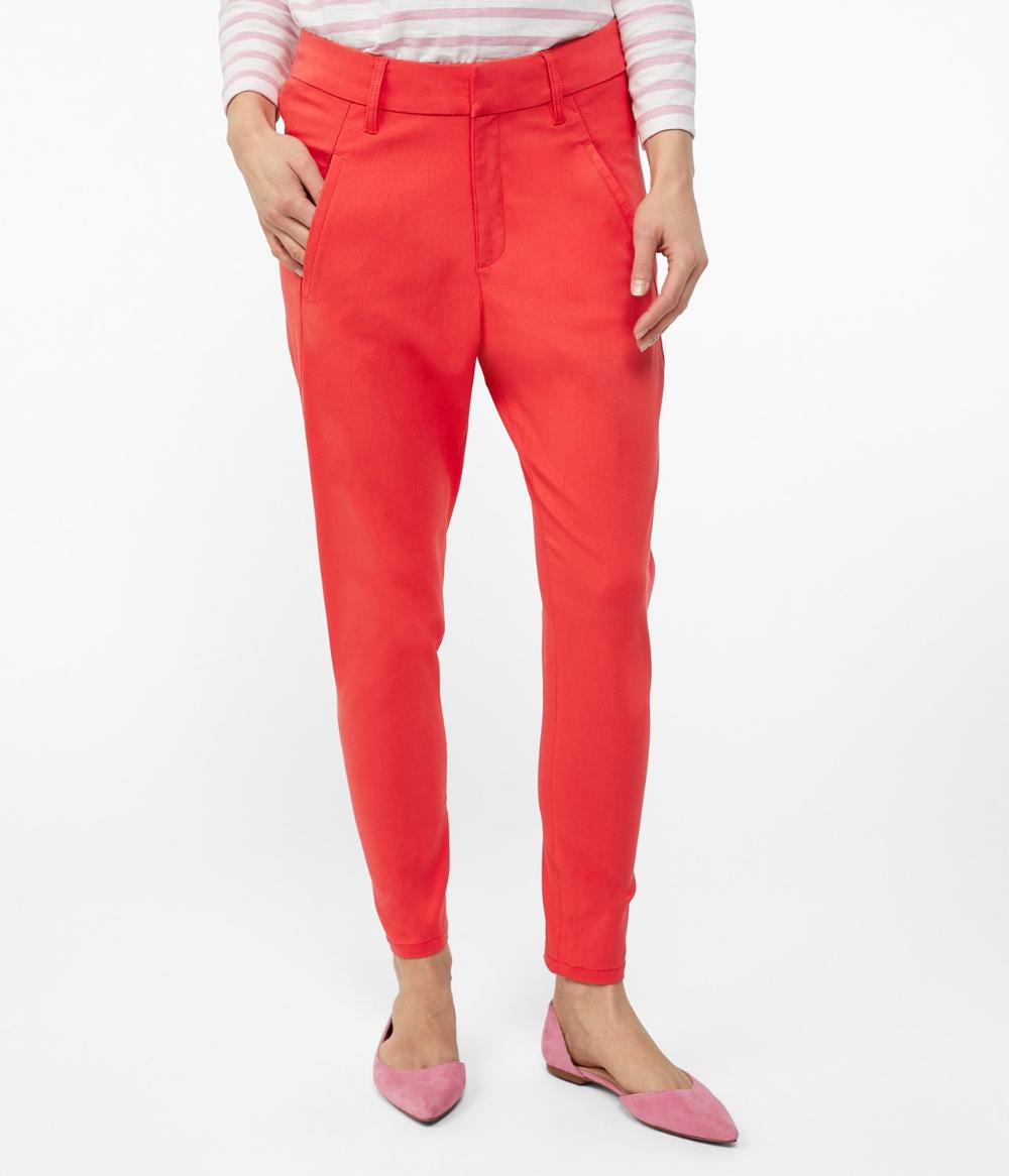 Pin By Ksz On Rzeczy Do Noszenia Pantsuit Capri Pants Fashion
