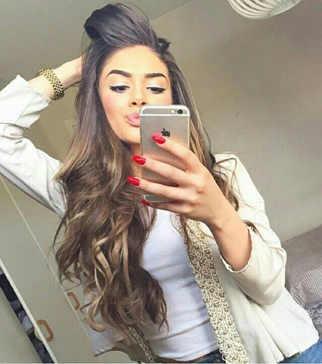 Long brown hair with blonde highlights - Bellami hair