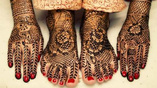 Gorgeous Bridal Mehndi Designs : Gorgeous bridal mehndi. i love how the designs on hands and feet