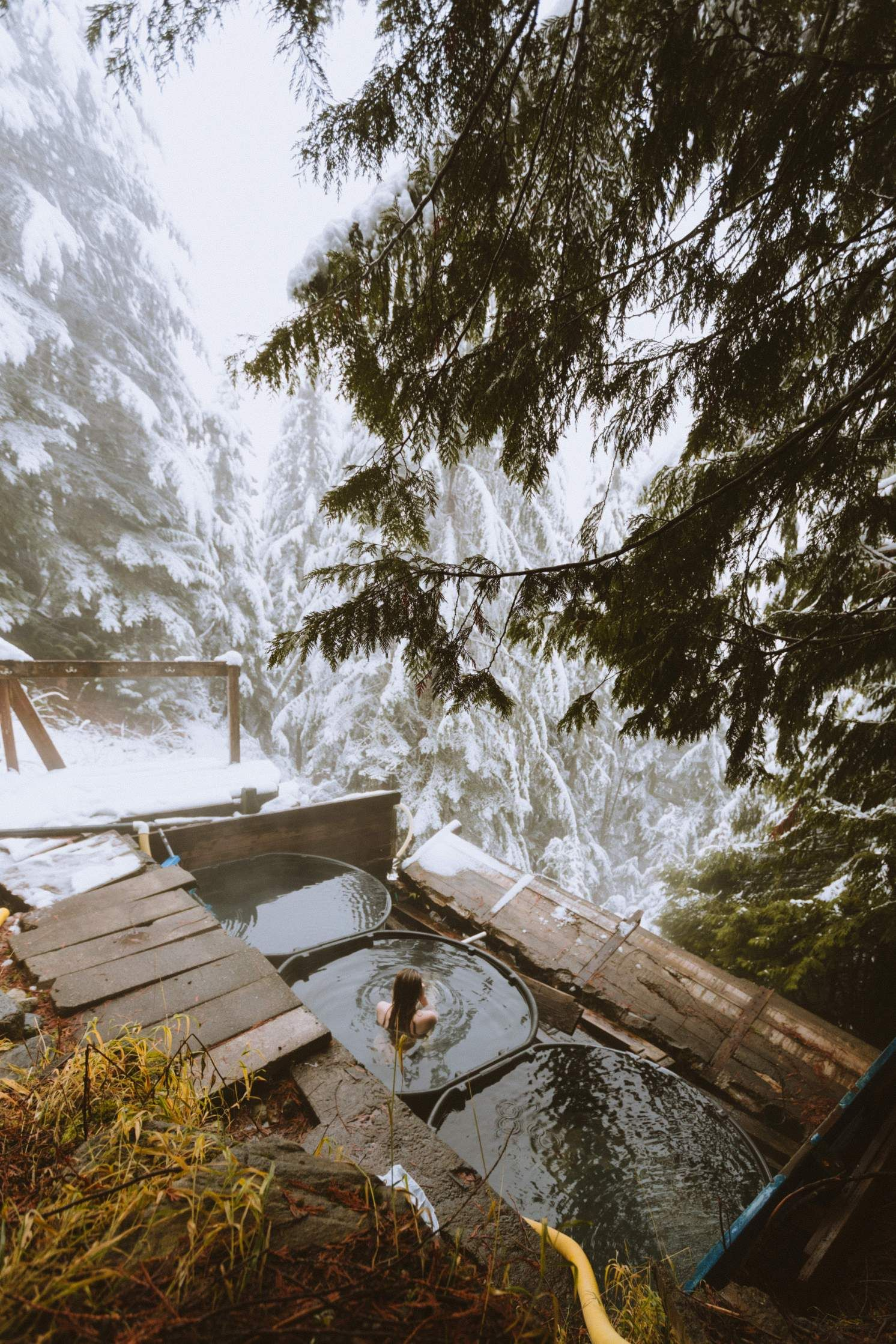 (Scenic Hot Springs) Hikes in Washington state are among the best in the nation! We're sharing forest covered trails, beach walks, stunning views, and opportunities to get outside and explore the Pacific Northwest. Save this list for your next PNW adventure! #hiking #washington #PNW #PacificNorthwest #trails #mountain #outdoors #lake #friends #travel #adventure #pacific #westcoast