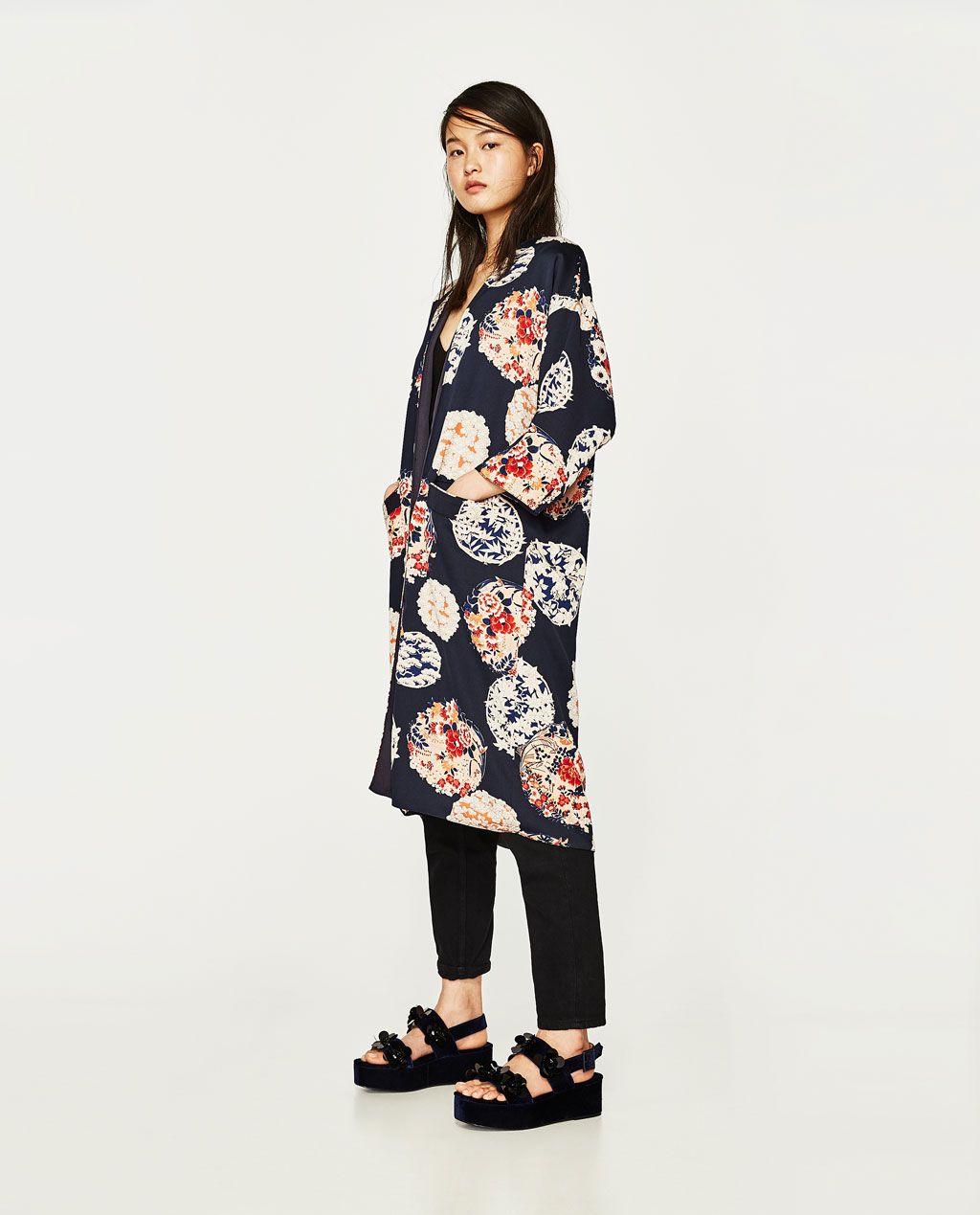 1299cf099 Imagen 1 de CHAQUETA KIMONO ESTAMPADO de Zara | Vêtements en 2019 ...