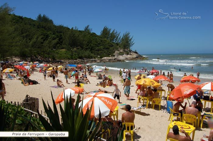 Foto Turistas Lotando A Praia Ferrugem Garopaba Sc Garopaba