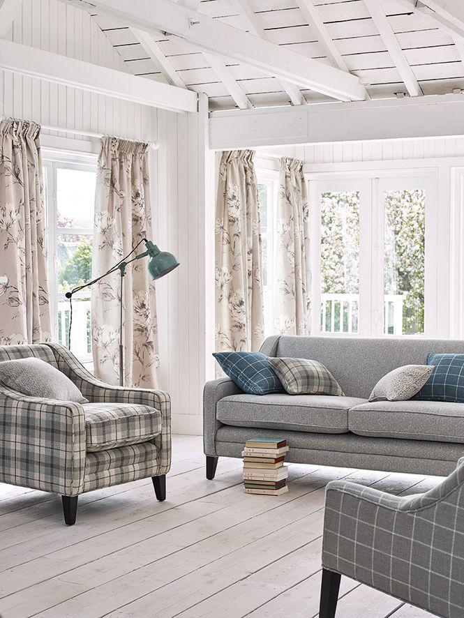 die farbe grau und blau harmoniert bekanntlich sehr gut auch die farbe beige passt sichtlich. Black Bedroom Furniture Sets. Home Design Ideas
