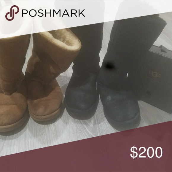 3bac45171cc 2 pairs of size 7 authentic uggs with cleaner Size 7 uggs price is ...