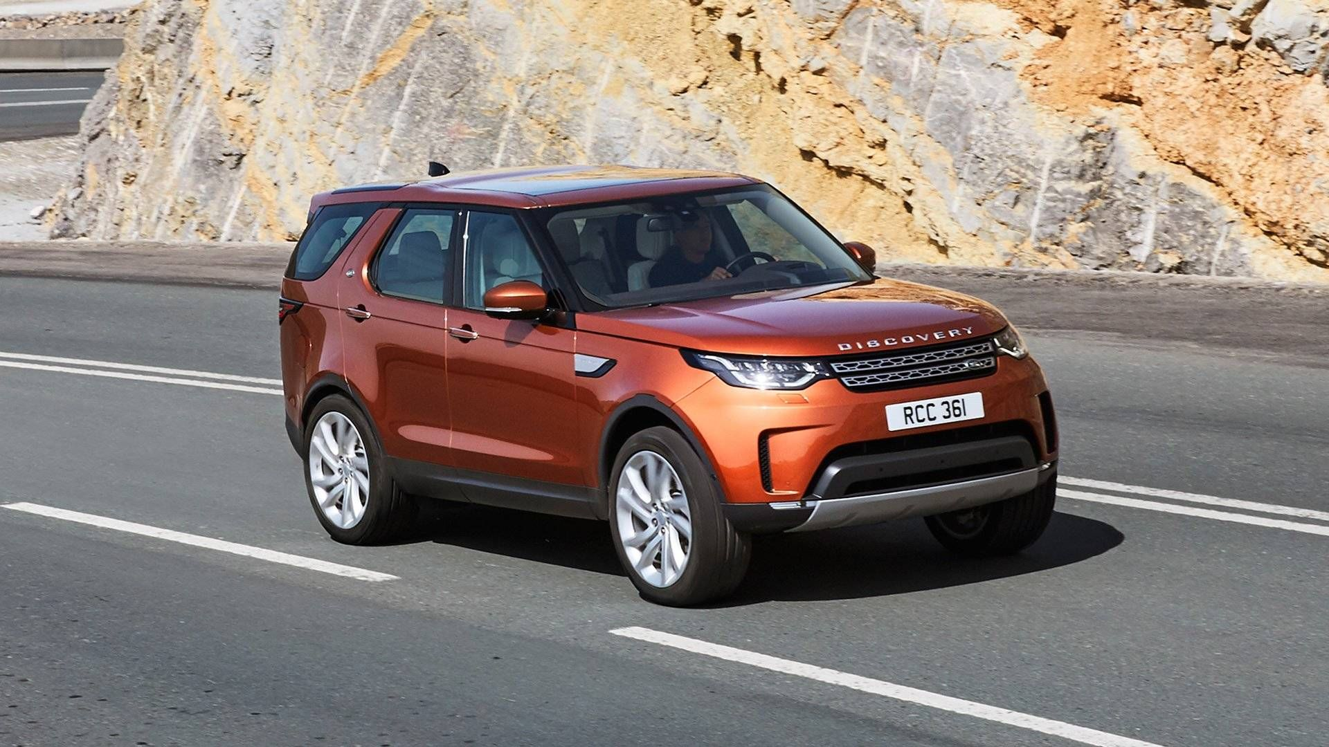 2018 Land Rover Discovery Diesel Review 3 Rows And 33 Miles Per Gallon In An All Terrain Package The Land Rover Land Rover Discovery Land Rover Discovery 5