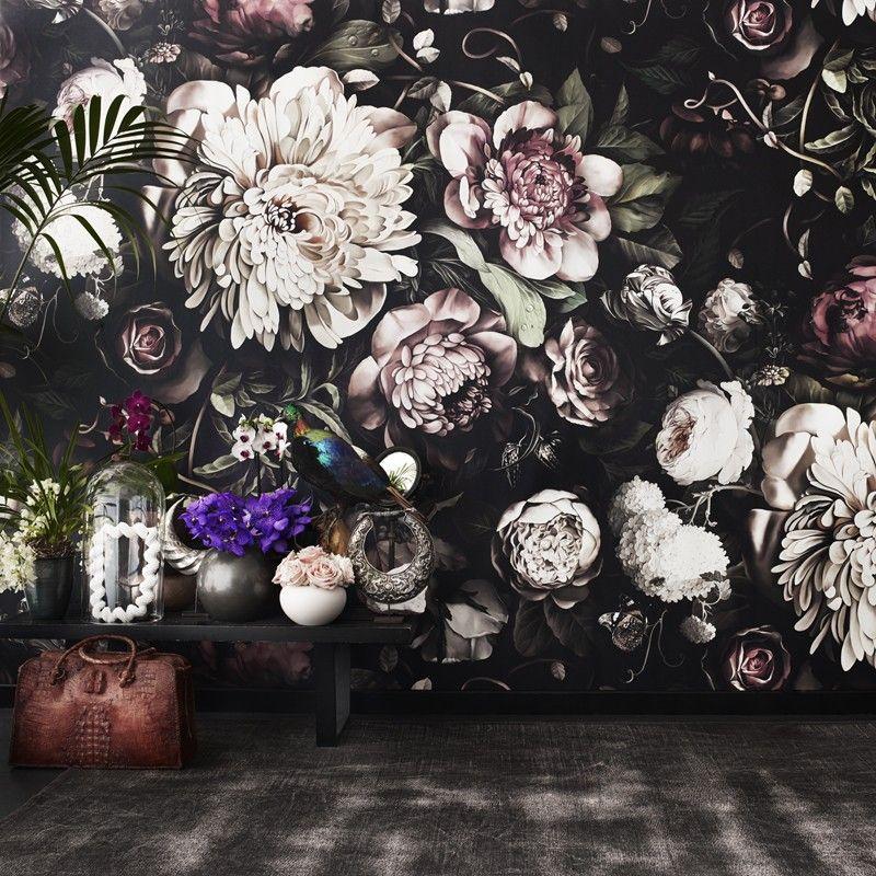23 Floral Wallpaper Designs Decor Ideas: Dunkle Blumentapete Mit Großen Blüten. Von Ellie Cashman
