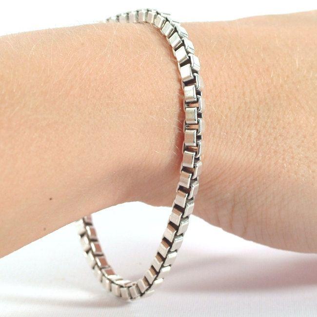 697db0714 Authentic Tiffany Silver Box Link Chain Bracelet, Vintage Sterling Silver  Bracelet, Tiffany and Co Venetian Bracelet, Size 7 Bracelet (5542) by  Spoonier on ...