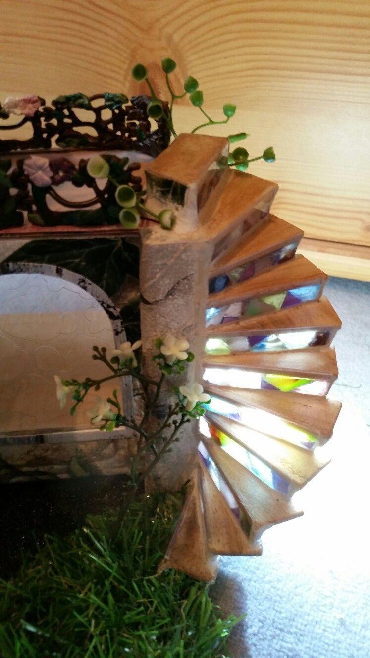 Puppenhaus: #Treppe mit #Beleuchtung doll house, maison de poupées ...