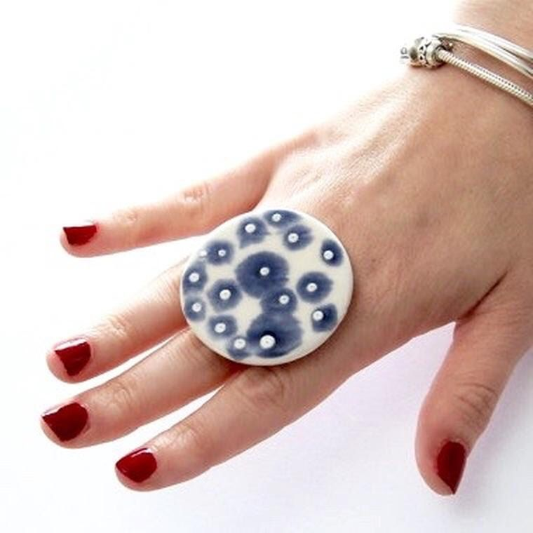 Gioielli in ceramica Cocktail Ring - anello grande, ceramica e ceramica, anello cocktail fatti a mano boho - AUSSIE ROCK POOLS - 1,8 pollici di StudioLeanne su Etsy https://www.etsy.com/it/listing/229924300/gioielli-in-ceramica-cocktail-ring