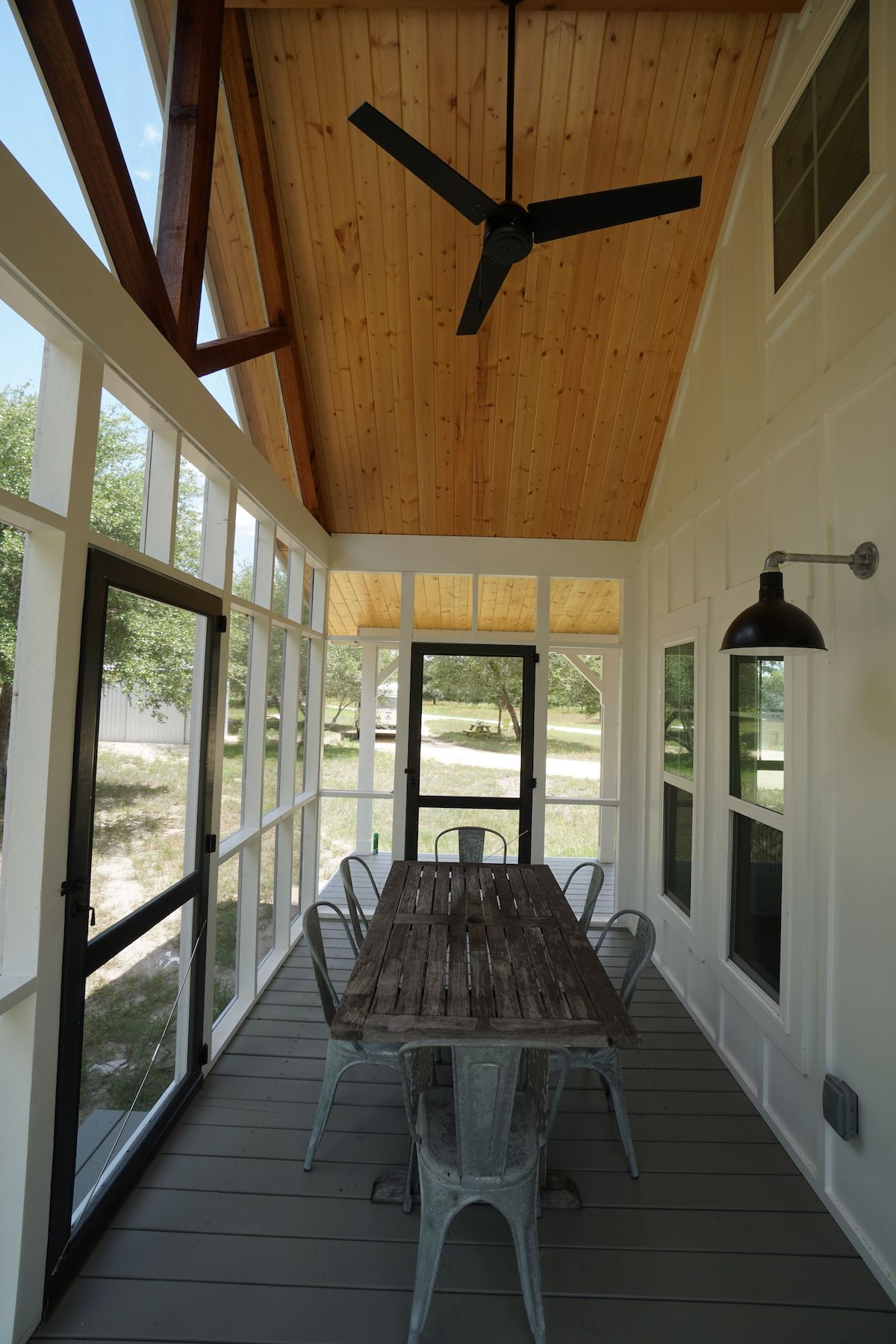 16x40 cottage cabin in burton tx by kanga room systems gorgeous