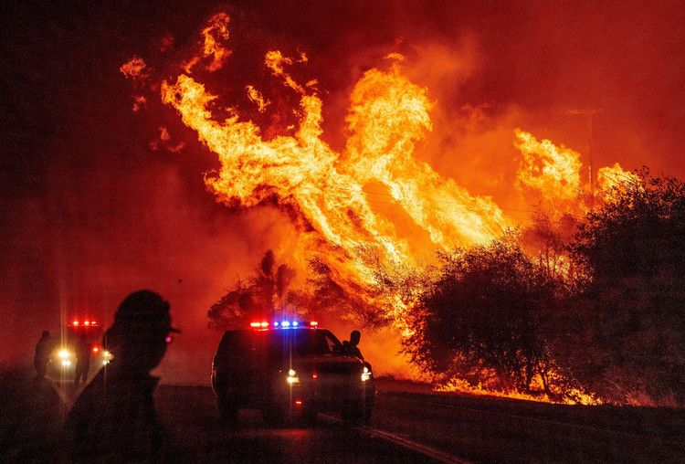 Wildfire North Of Sacramento Is Now Largest In California History And It May Not Be Done Growing Nbc News In 2020 Butte County California History San Gabriel Mountains