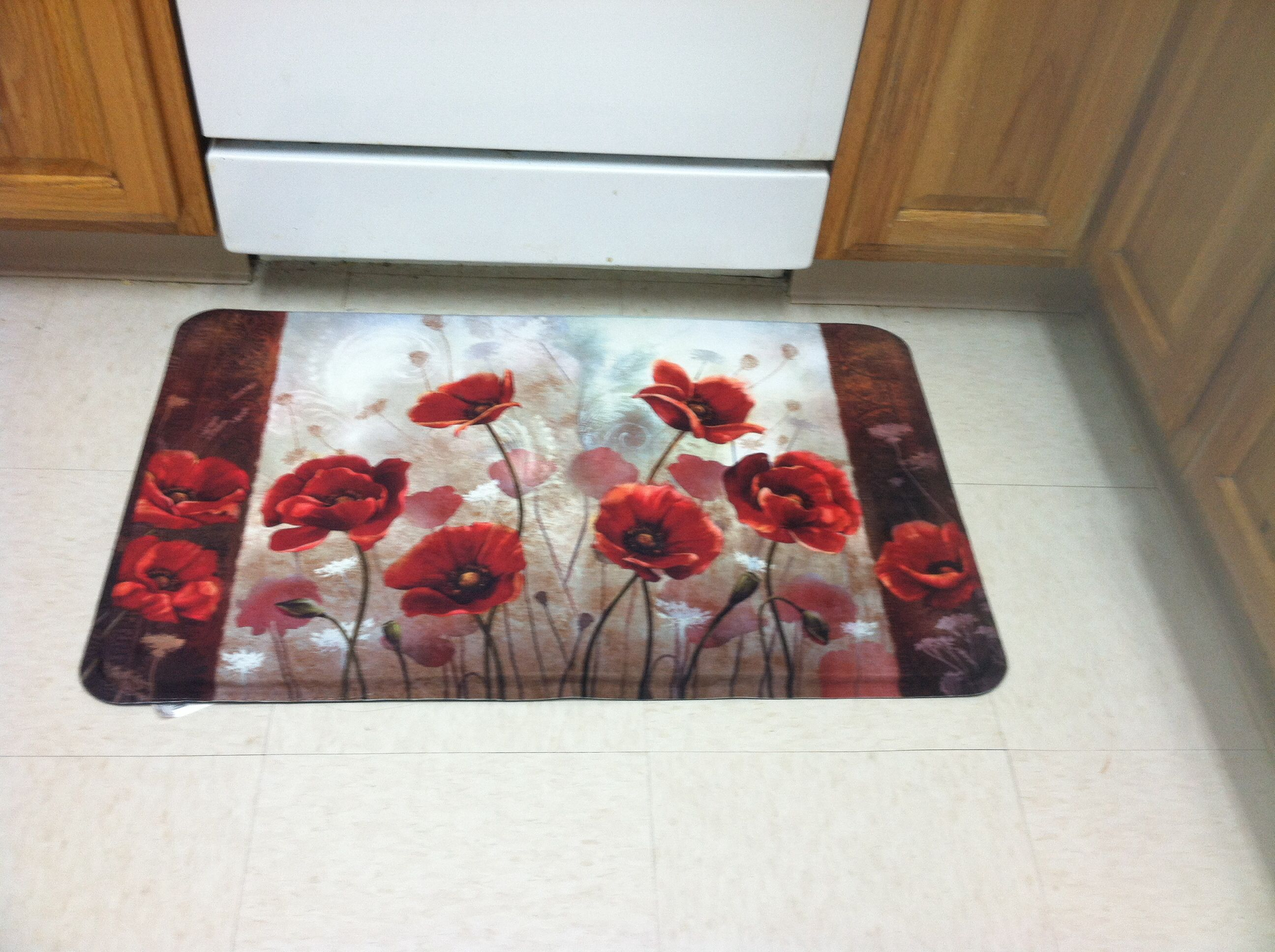 Charmant Poppy Kitchen Mat From Bed Bath And Beyond