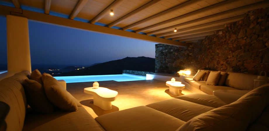 MYKONOS VILLA CLIO I This charming Mykonos Villa with its magnificent sea views exudes a feeling of peacefulness and freedom.