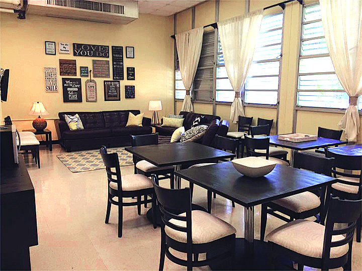Palmetto senior high teachers get lounge makeover staff for Lounge makeover ideas