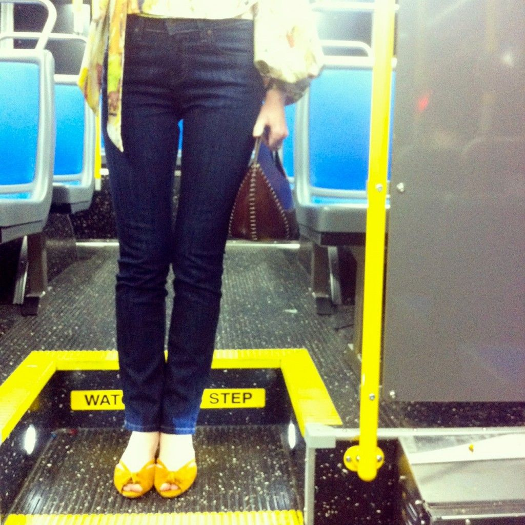 These mid-rise jeans are perfect for your commute in the city...or anywhere! #ad