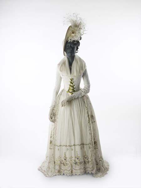 Dress 1790 The Museum Of London Omg That Dress Fashion 18th Century Fashion Historical Dresses