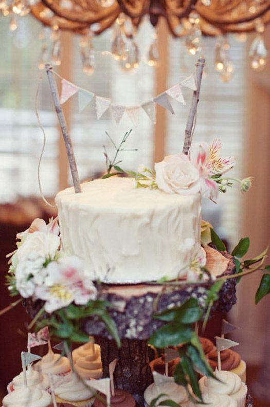 Cake And Cupcake Display Like The Tree Stump Stand Flowers