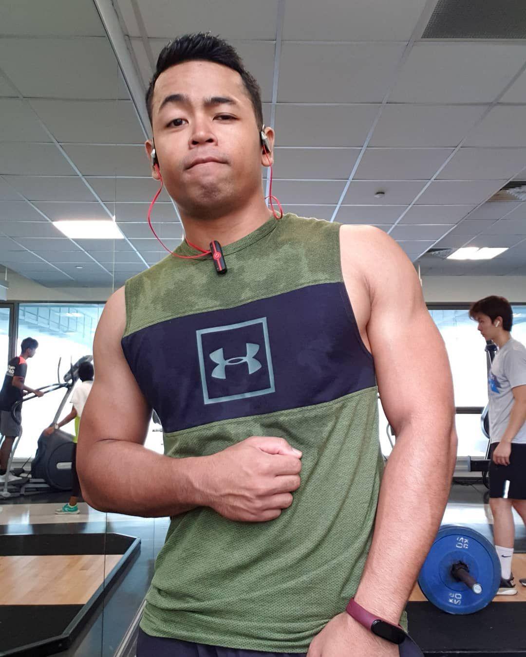 Just gym tings... . . #men #singapore #sg #health #fitness #caloriecounting #nutritiontips #nutritio...
