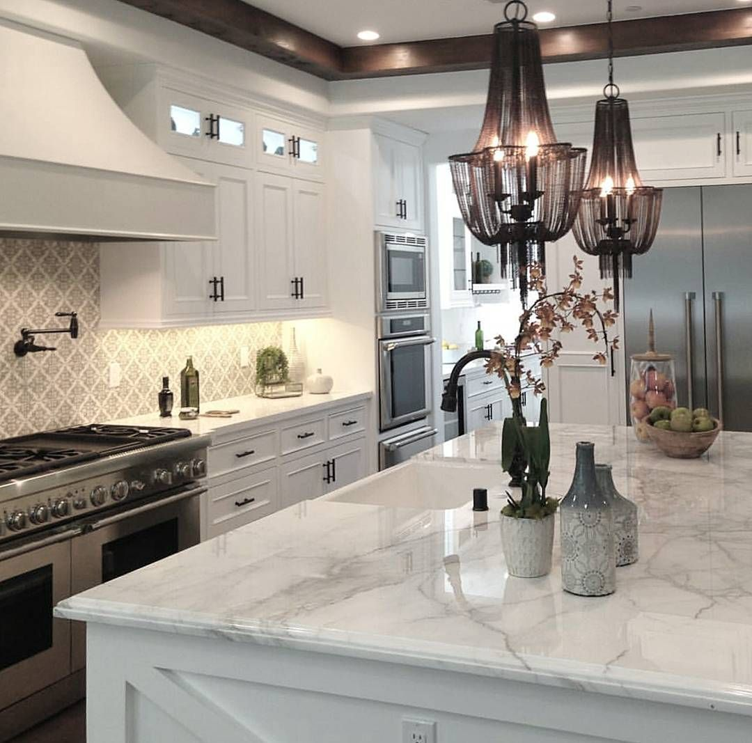 Staging Kitchen Counters: I Like The Counters And Cabinets. Not The Chanedlier And