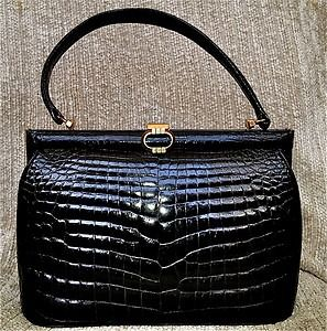 0f212daf5a1f Vintage Gucci Crocodile skin purse | My Style in 2019 | Gucci purses ...
