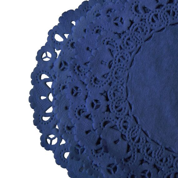 Set of 10 small paper doilies