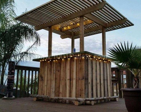 Pallet backyard tiki bar pallet ideas tiki bars yards for How to make a tiki bar with pallets