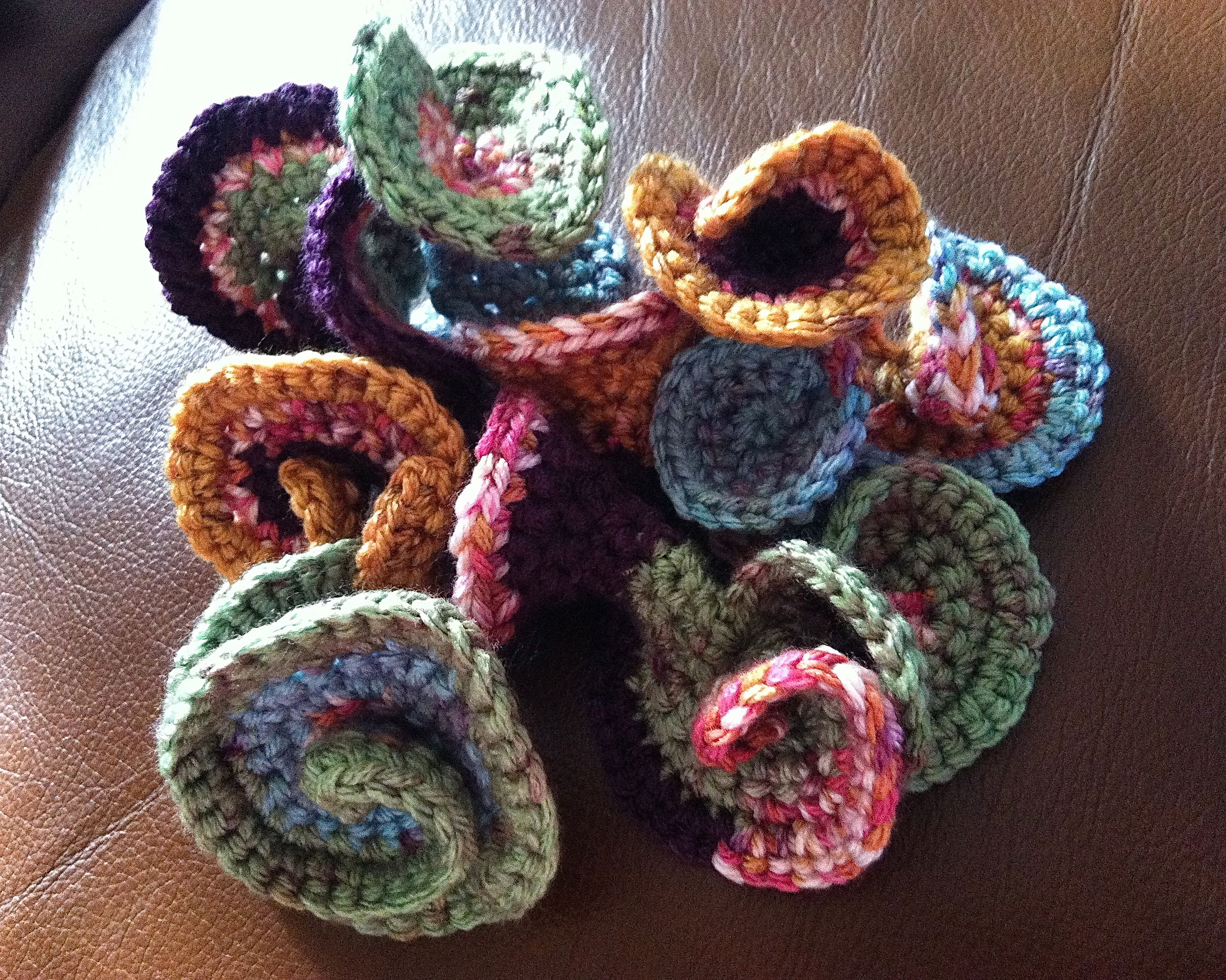 Hyperbolic Freeform Crochet Sculpture | Schmuck häkeln, Stricken und ...
