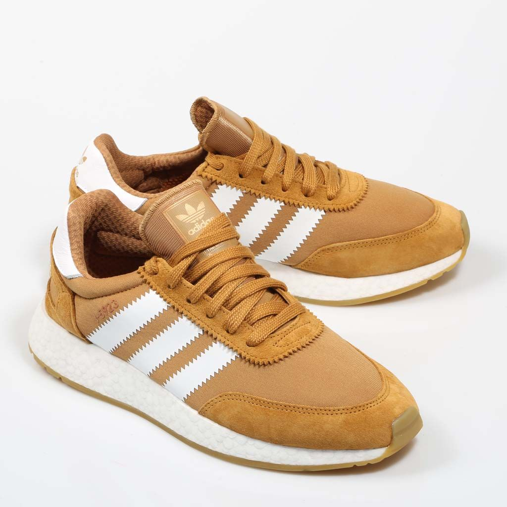 the best attitude f53e5 aa708 Adidas I-5923 en color mostaza. Adidas I-5923 in mustard.