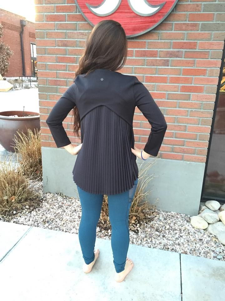 Lululemon Pleat On Long Sleeve, Black, Size 6