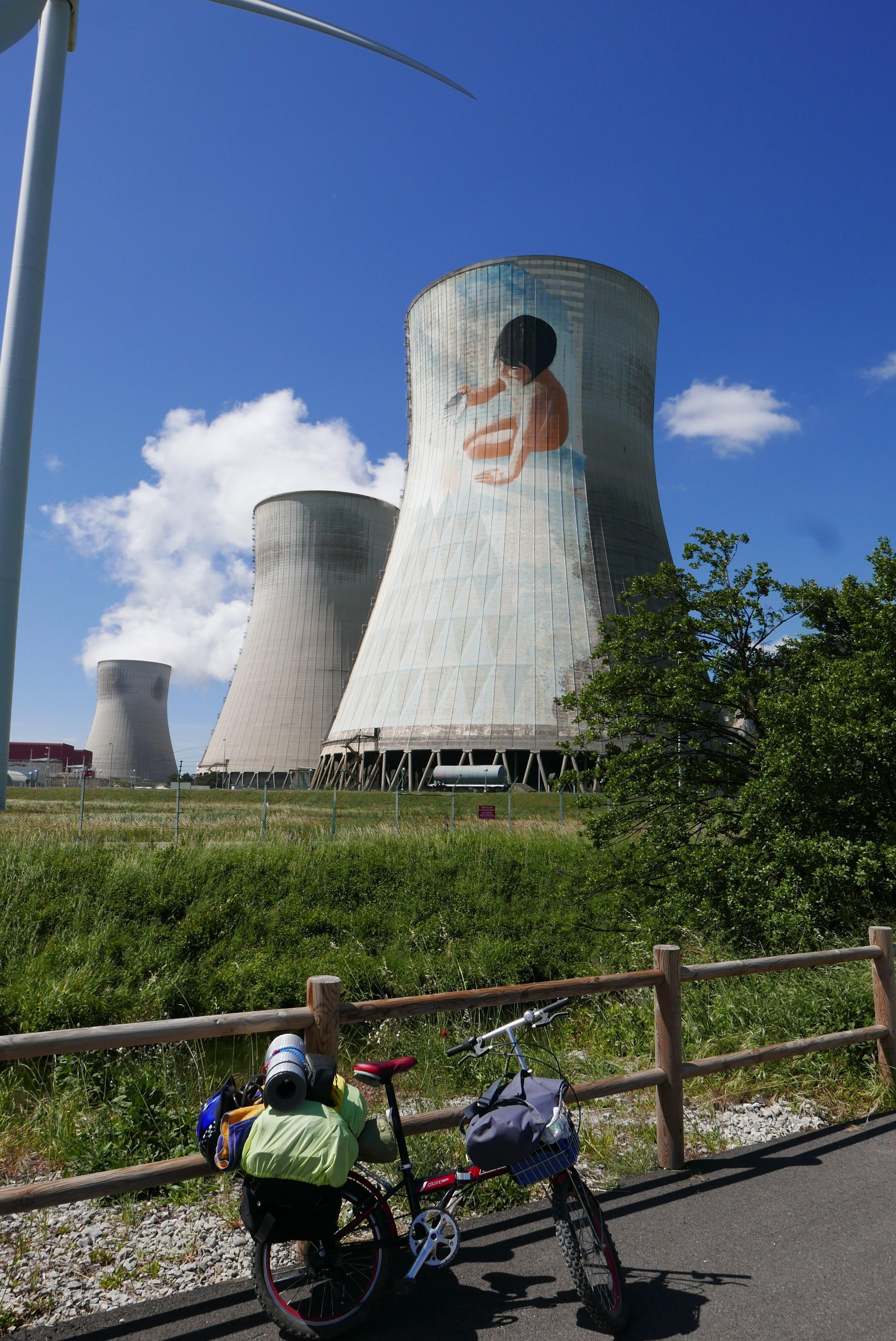 Centrale Nucleaire De Cruas Centrale Nucleaire Auvergne Rhone