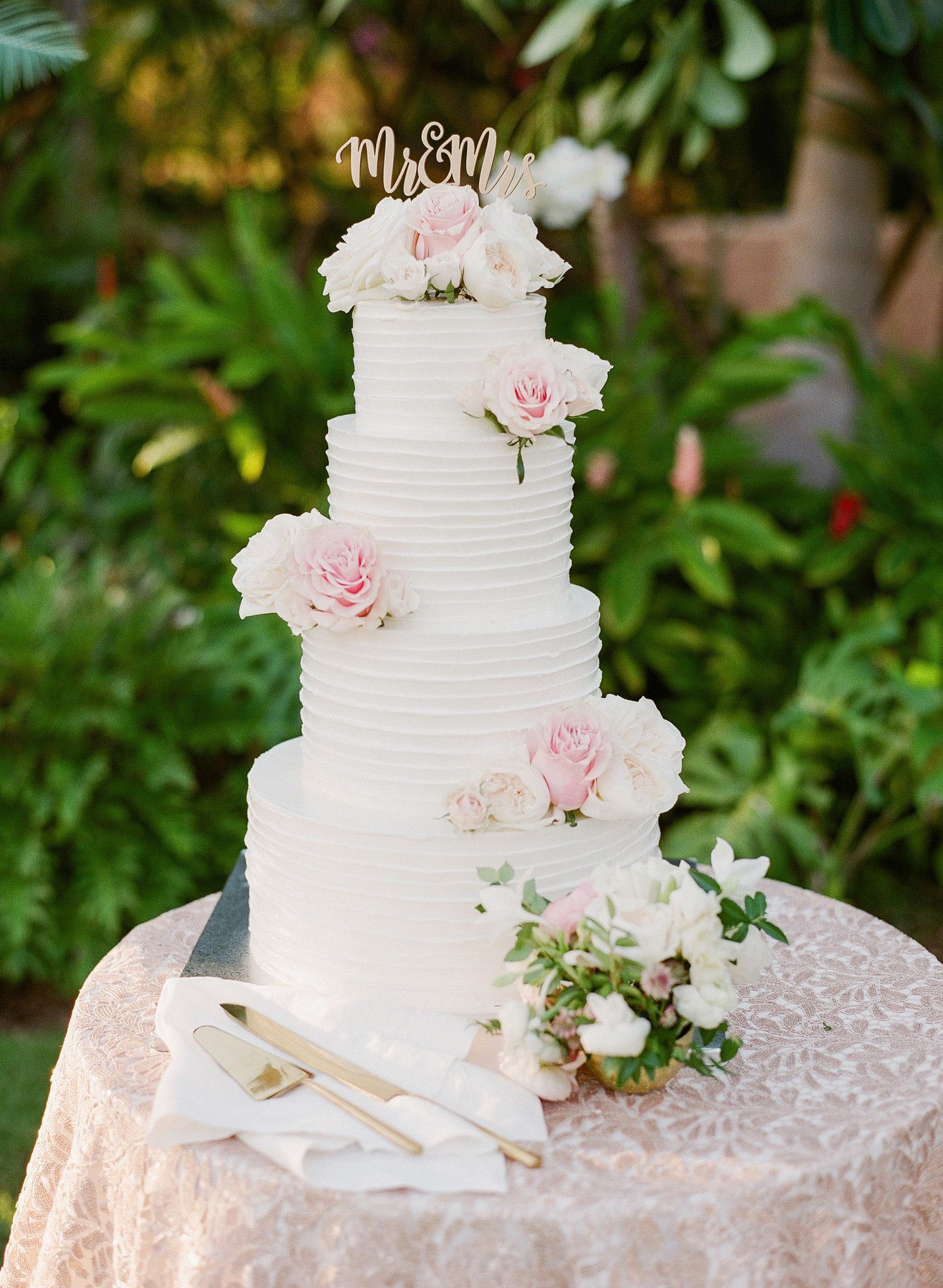 A Pastel Color Palette Ensured This Hawaiian Destination Wedding