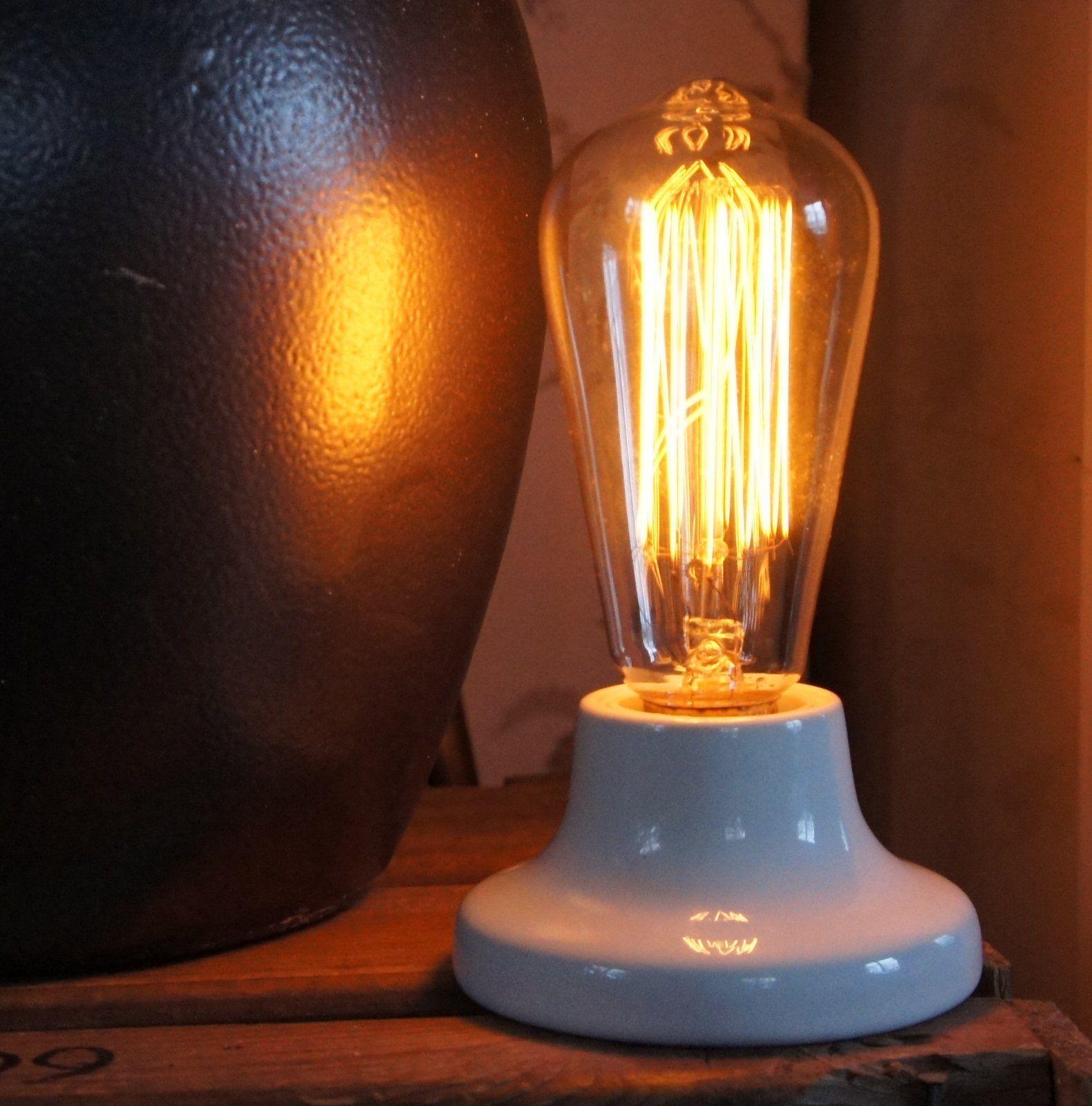 Zangra Porslinslamph Llare E27 By Vintage Lighting Lamph Llare Fr N Zangra Tillverkad I Frankrike F R E27 Lampor Koltr D El Vintage Lighting Lighting Vintage