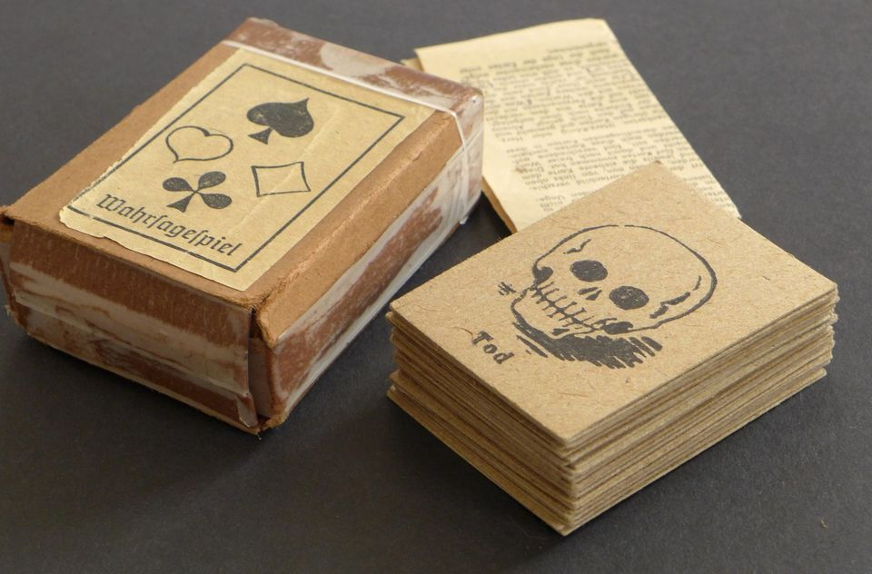Vintage Unknown German Gypsy Fortune Telling Oracle Cards Deck WW2