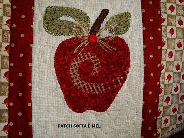 Detalhe maçã | por PATCH E CIA - Sofia e Mel