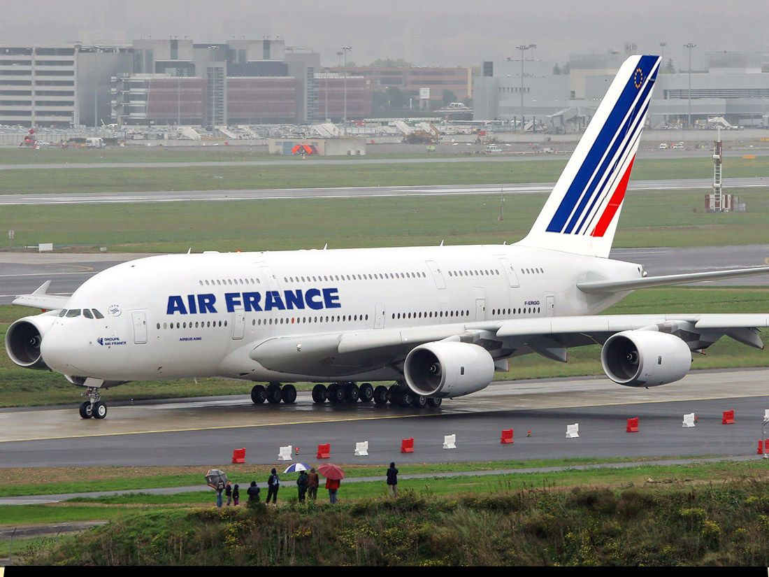 The Airbus A380 Is A Double Deck Wide Body Four Engine Airliner Manufactured By The European Corporation Airbus A Subsidiary Air France Airbus A380 Airbus
