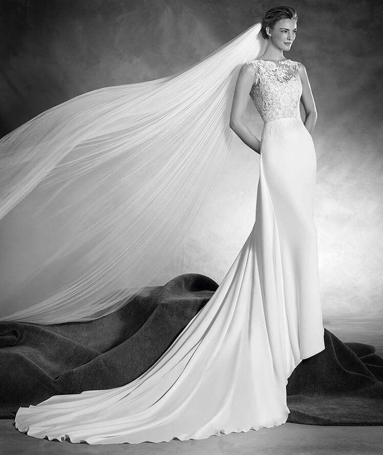 Natia - Vestido de novia en crepe, encaje y escote redondo en ...