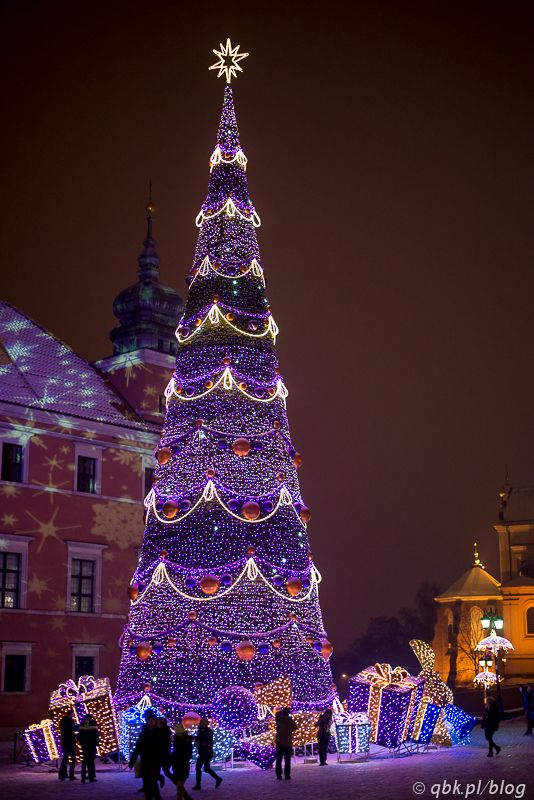 Christmas tree in Warsaw, Poland So pretty! beat-campuk - polish christmas decorations