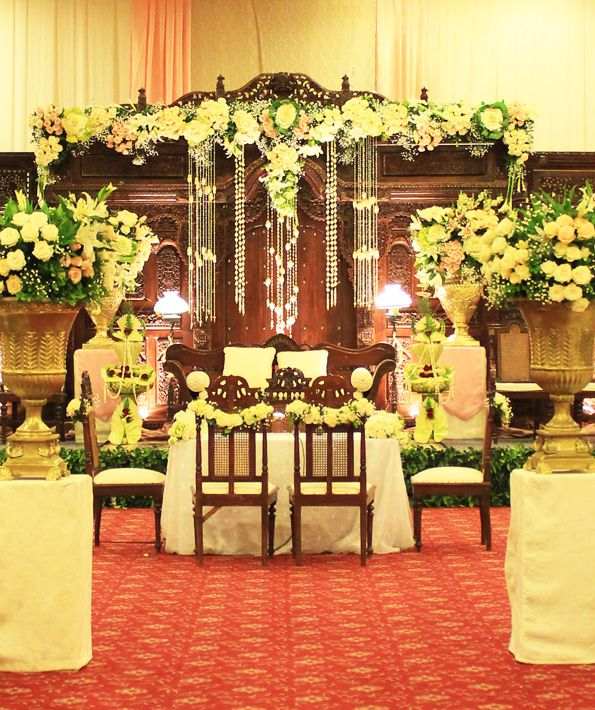 Weddingdecorationjawapernikahandekorasijakartaelegantclassic weddingdecorationjawapernikahandekorasijakartaelegantclassic junglespirit Gallery