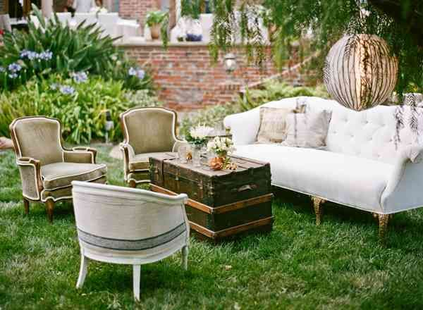 A wedding lounge area - great idea for a backyard wedding - Bohemian Chic Garden Wedding Wedding Event Staging Pinterest