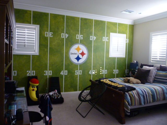 Steelers room kid 39 s rooms pinterest room men cave for Man u bedroom stuff