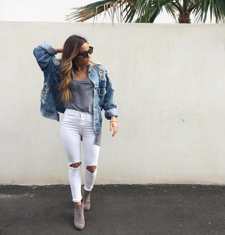Jeans blancs t-shirt gris relax et blouson XL en denim = un look réussi!  #lookdujour #ldj #whitepant #rippedknee #vintagejacket #jean #denim #outfitideas #outfitinspo #ootd #fashion #style #regram  @claudiagraziano
