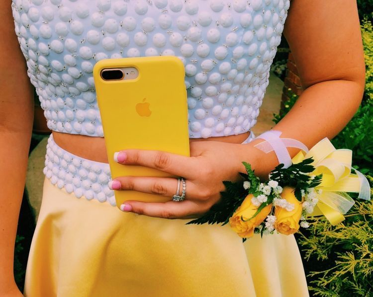 pinterest brookekaminskii | Yellow aesthetic, Yellow phone ...