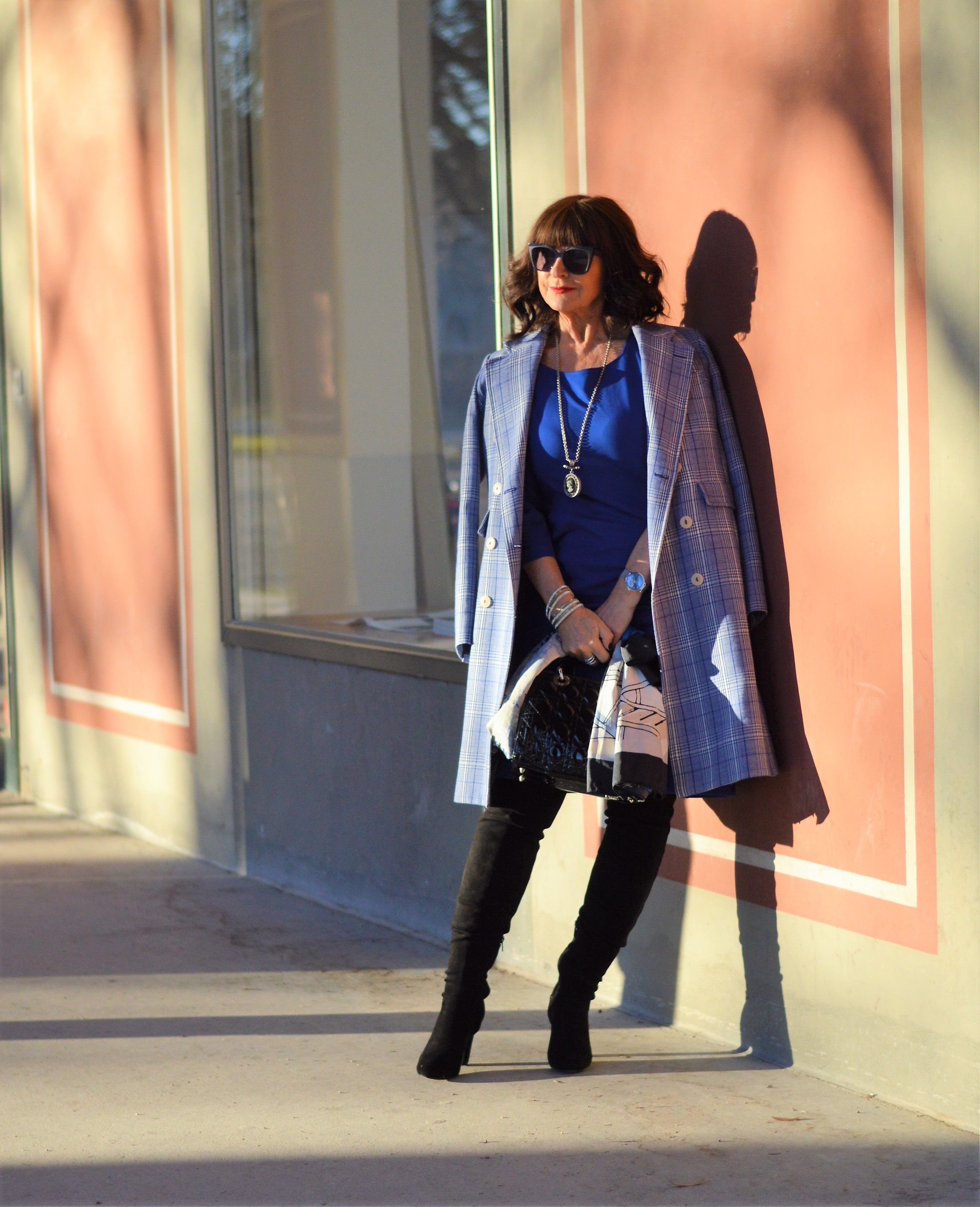Die Elegante Farbe Taupe: Classic Blue - Die Pantone Farbe Des Jahres 2020