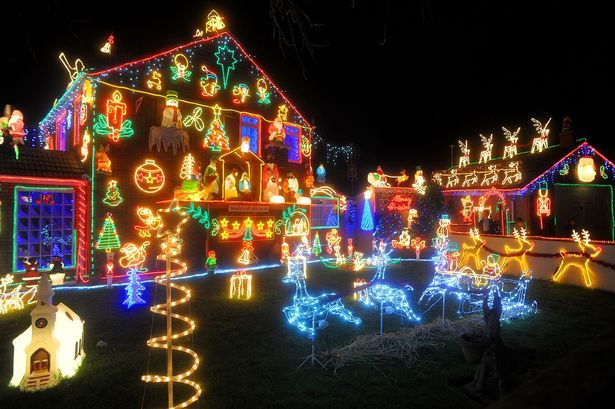 Your Most Dazzling Christmas Lights Pictures From Around The Uk Outdoor Christmas Decorations Fun Christmas Decorations Outdoor Christmas