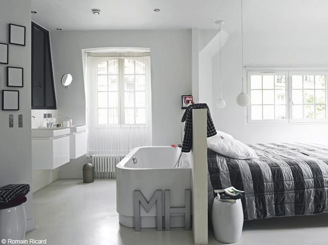 la baignoire se fait toute petite d co pinterest chambre salle et maison. Black Bedroom Furniture Sets. Home Design Ideas