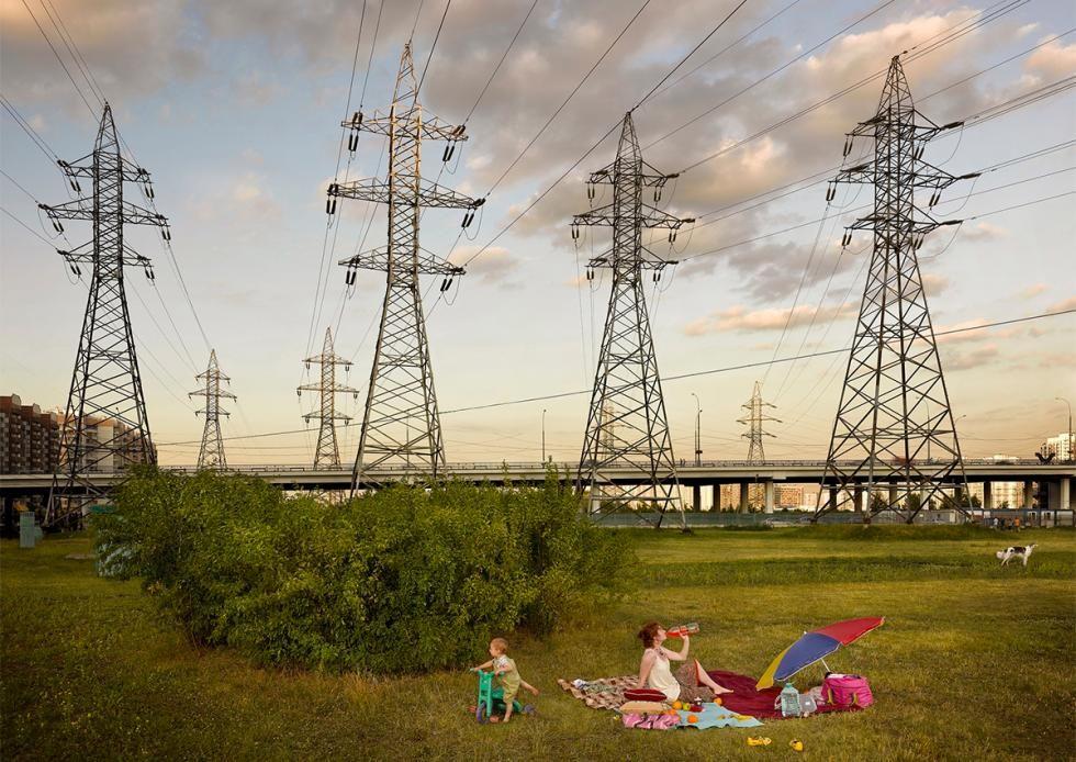 Fotógrafo alemão registra cotidiano em 4 anos de viagens pela Rússia 'Pena que o tempo de loucura se foi', descreve o berlinense Frank Herfort sobre as construções arquitetônicas pós-soviéticas, nas quais se baseiam as suas séries de fotos. Para o povo, porém, sobram elogios.